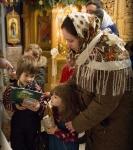 Поздравление детей и рождественская выставка_35