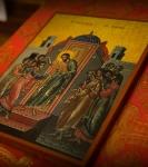 Божественную литургию Фоминой недели на петербургском подворье Коневской обители возглавил наместник монастыря _16
