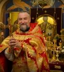 Божественную литургию Фоминой недели на петербургском подворье Коневской обители возглавил наместник монастыря _24