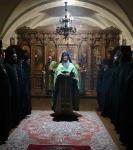 Епископ Выборгский и Приозерский Игнатий совершил Литургию в Коневской обители, поздравив наместника монастыря с 10-летием служения наместником и настоятелем (2)