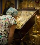 Образ Пресвятой Богородицы Коневской, принесенной в дар Президентом России В.В.Путиным, привезен для поклонения в храм подворья.  (2)