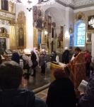 Клирики Петербургского подворья Коневского монастыря совершили молебны с акафистами перед ковчегом с десницей святой мученицы Татьяны в Спасо-Преображенском соборе Санкт-Петербурга